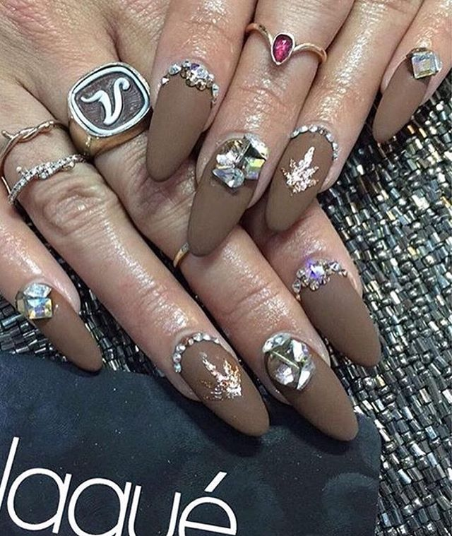 We love @vanessahudgens nails for coachella! #BeautyBloggers #NailArt #Claws #Coachella #Music #TrendyNails