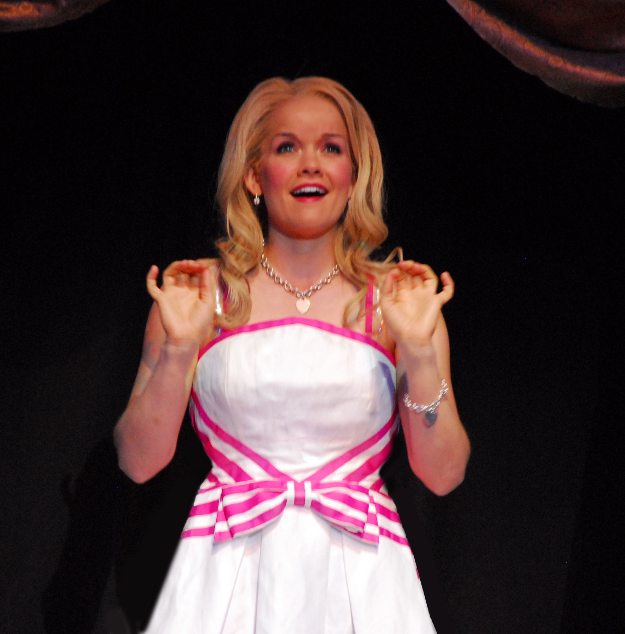 2011_OP_Legally-Blonde_Becky-Gulsvig_as_Elle-Woods_RGB.jpg