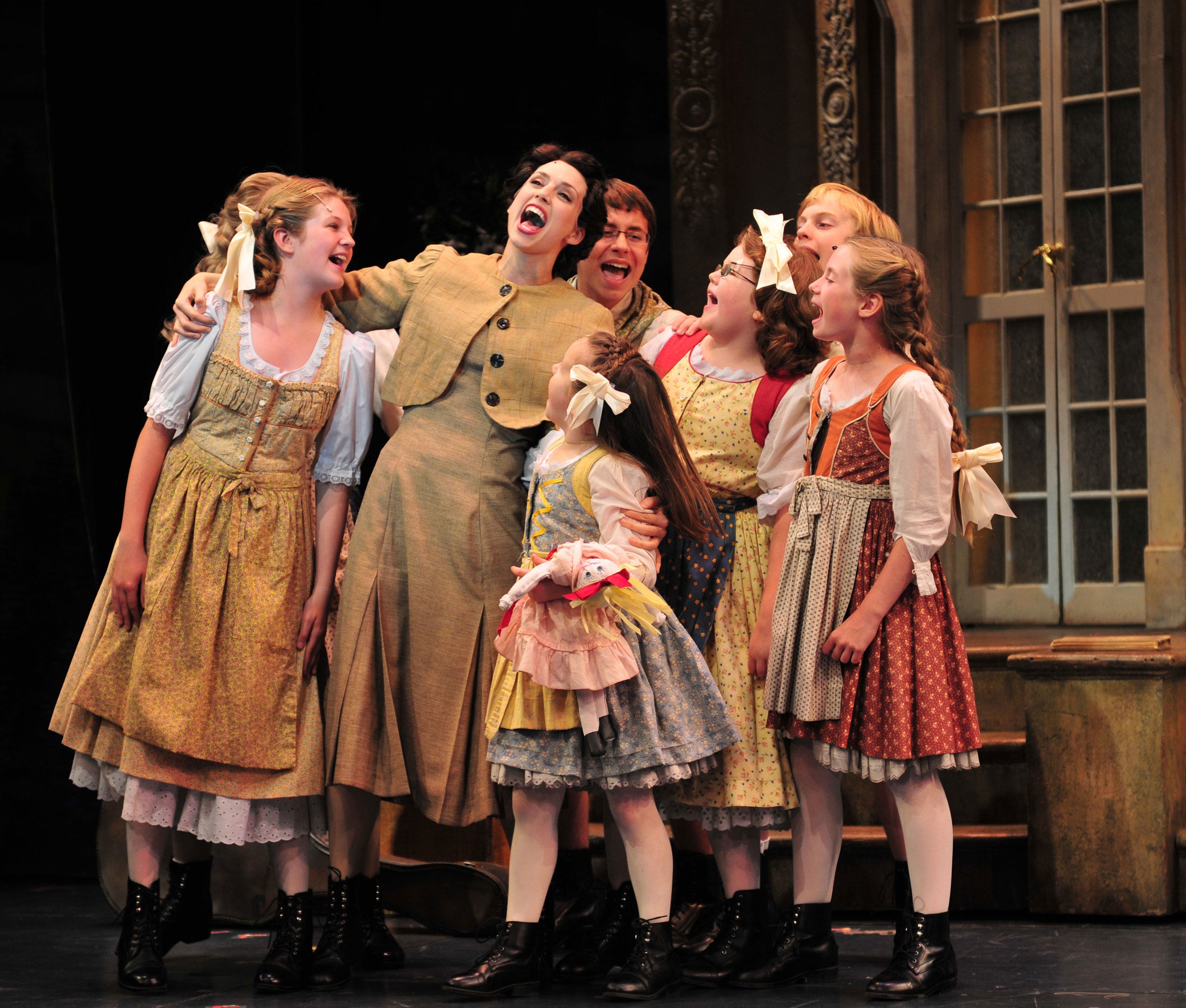 2010_OP_The-Sound-of-Music_Gail-Bennett_as_Maria_with_von-Trapp-Children_photo-by_Gary-Ng_RGB.jpg