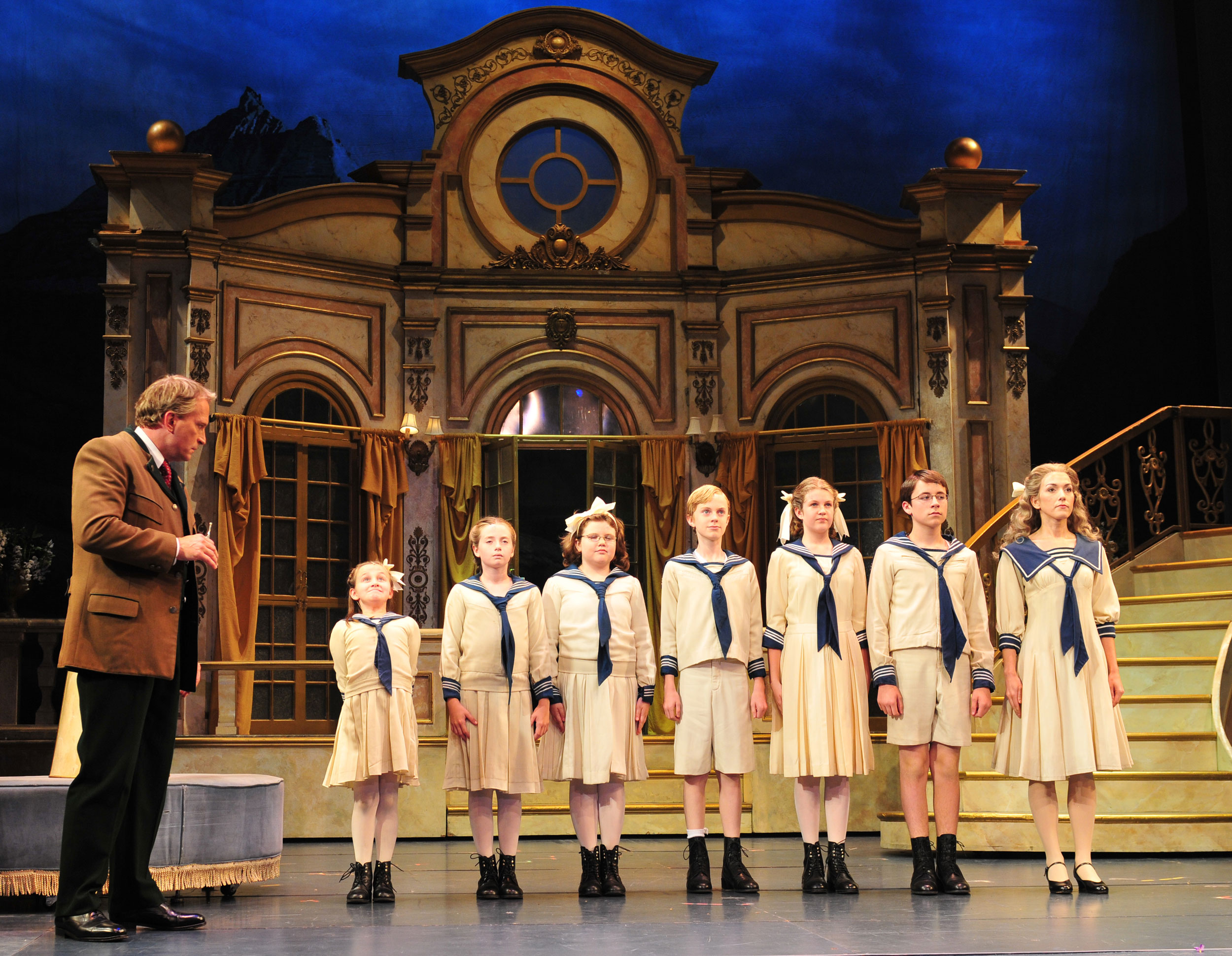 2010_OP_The-Sound-of-Music_Rex-Smith_as_Captain-von-Trapp_and_von-Trapp-Children_photo-by_Gary-Ng_RGB.jpg