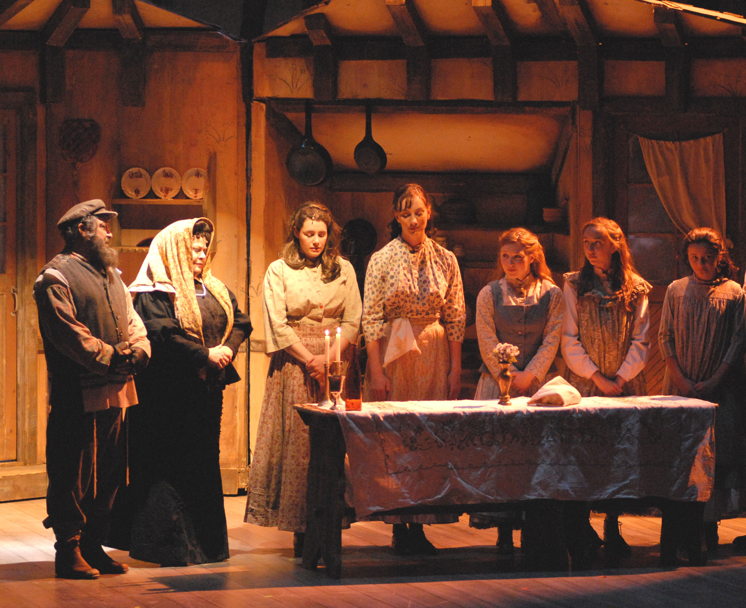 Eddie-Mekka-&-Sally-Struthers-with-cast-of-Fiddler-on-the-Roof.jpg