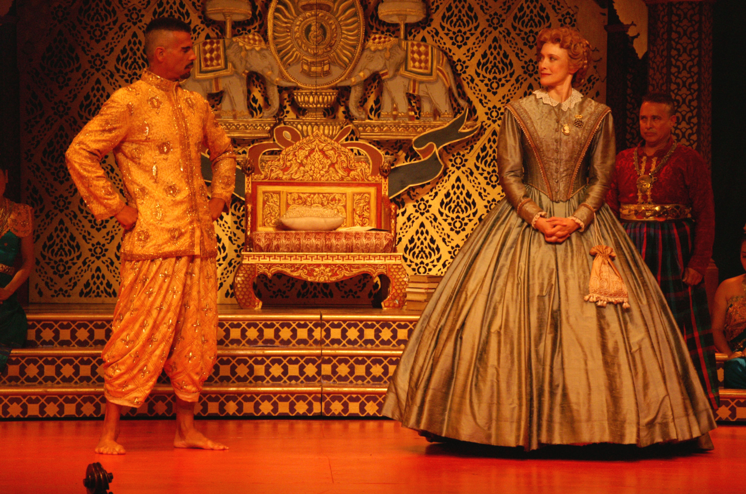 The-King-meets-Anna-upon-her-arrival-in-Siam.jpg