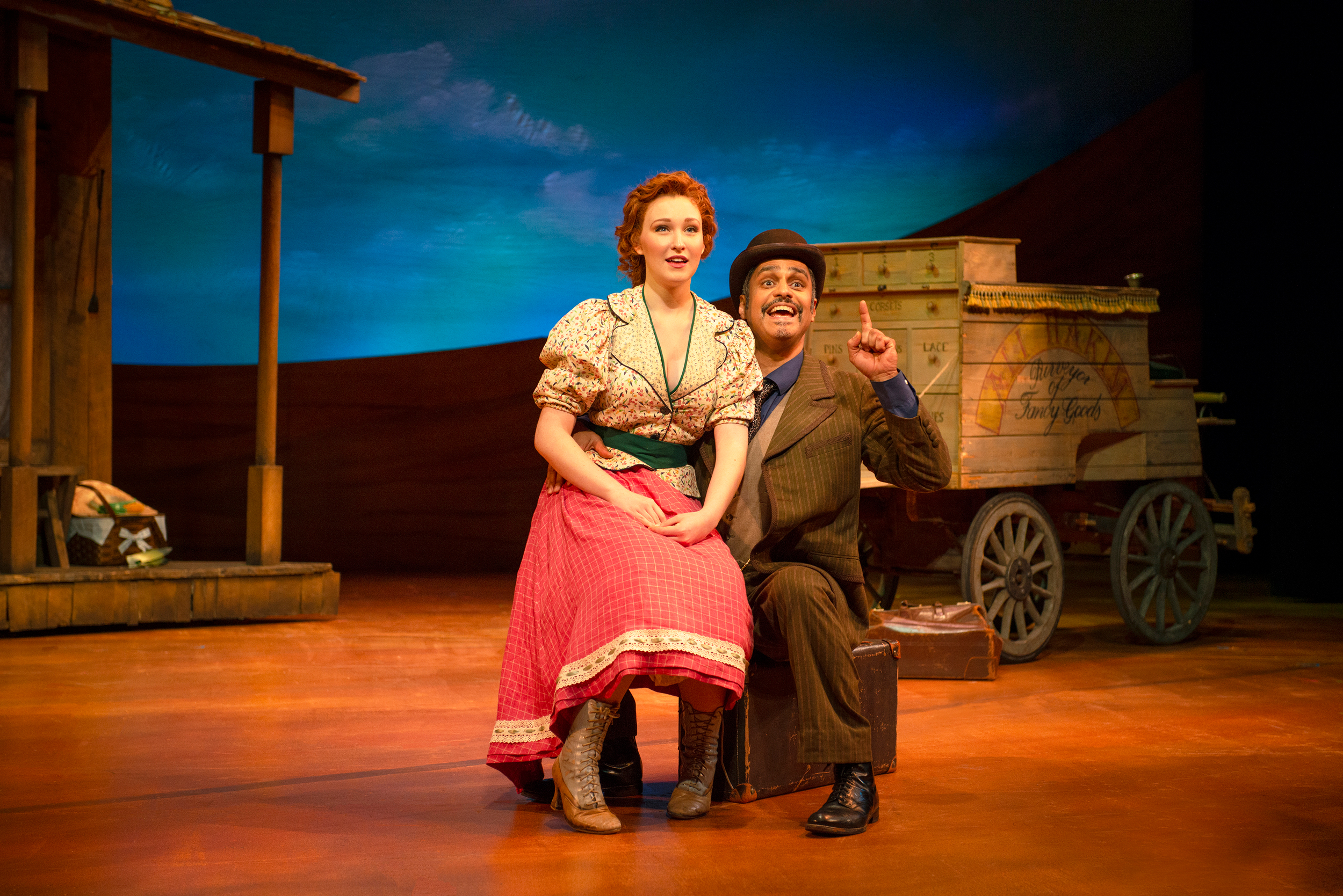Chessa Metz and Martín Solá in the 2018 production of  Oklahoma!  - Photo by Gary Ng