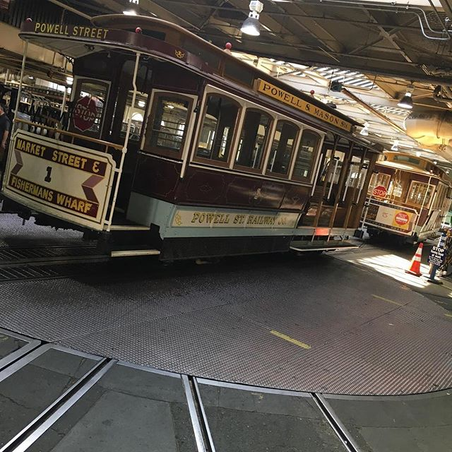 San Francisco cable car 30 foot turntable installed in 1983 #sanfrancisco #cablecar #turntable #train #rail #freight #madeinusa🇺🇸