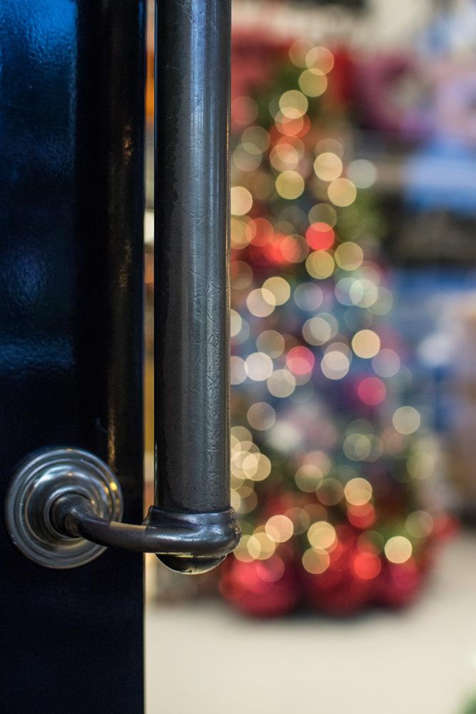1-Le-Decorazioni-Natale-Collezioni-A-la-Page-Roma-addobbi-eleganti-Natale-festivita-cenone-capodanno-occasioni-speciali-palline-alberi-originali.jpg