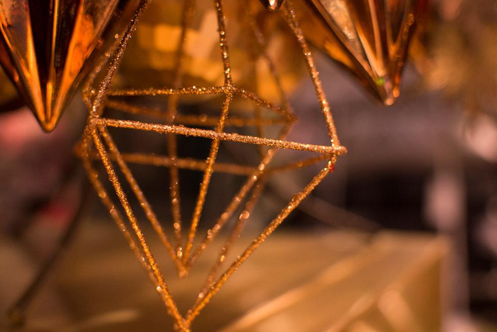 11-Le-Decorazioni-Natale-Collezioni-A-la-Page-Roma-addobbi-eleganti-Natale-festivita-cenone-capodanno-occasioni-speciali-palline-alberi-originali.jpg