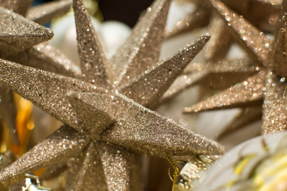 14-Le-Decorazioni-Natale-Collezioni-A-la-Page-Roma-addobbi-eleganti-Natale-festivita-cenone-capodanno-occasioni-speciali-palline-alberi-originali.jpg