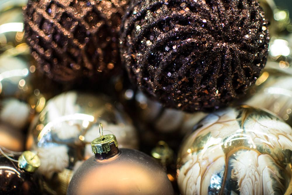 15-Le-Decorazioni-Natale-Collezioni-A-la-Page-Roma-addobbi-eleganti-Natale-festivita-cenone-capodanno-occasioni-speciali-palline-alberi-originali.jpg
