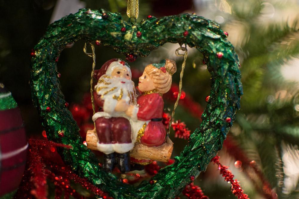 18-Le-Decorazioni-Natale-Collezioni-A-la-Page-Roma-addobbi-eleganti-Natale-festivita-cenone-capodanno-occasioni-speciali-palline-alberi-originali.jpg