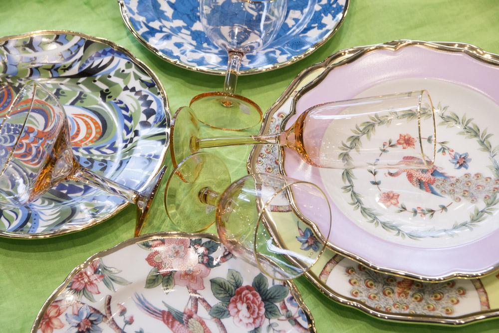 8-La-Tavola-Collezioni-A-la-Page-Roma-idee-per-apparecchiare-piatti-bicchieri-posate-originali.jpg