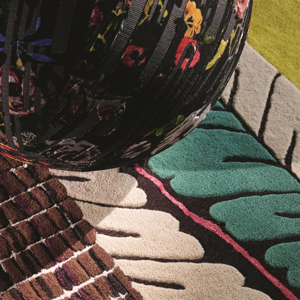 60-Collezioni-Tessili-A-la-Page-Roma-Tessuti-Stoffe-Carta-da-parati-Tendaggi-Servizi-tappezzeria-Rivestimento-divani-poltrone-Tappeti-moderni-colorati-diverse-forme.jpg