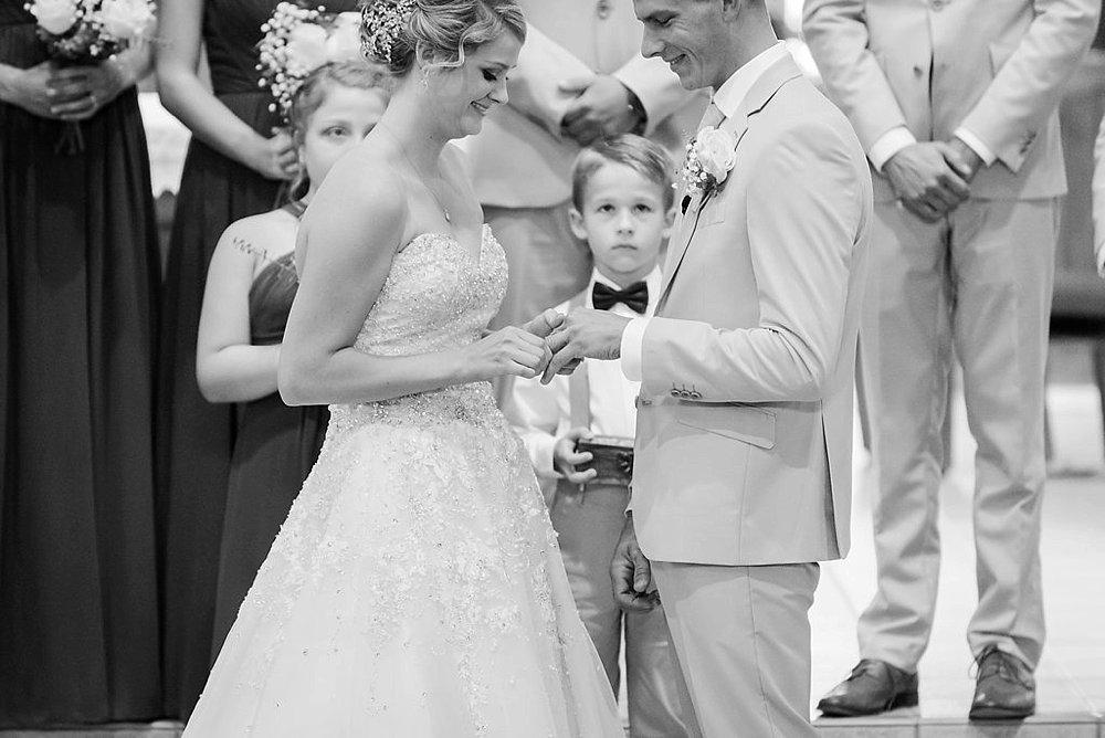 Watertwon WI Wedding_0021.jpg