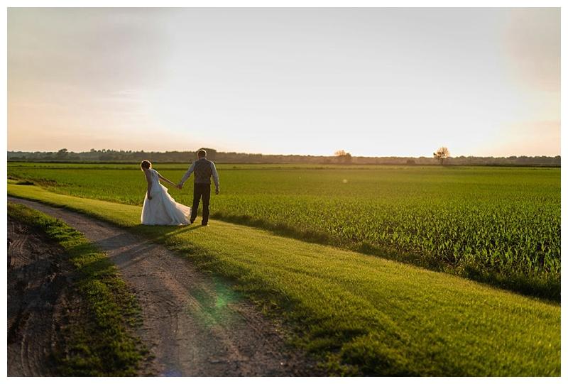 Wisconsin_farm_wedding_0046.jpg
