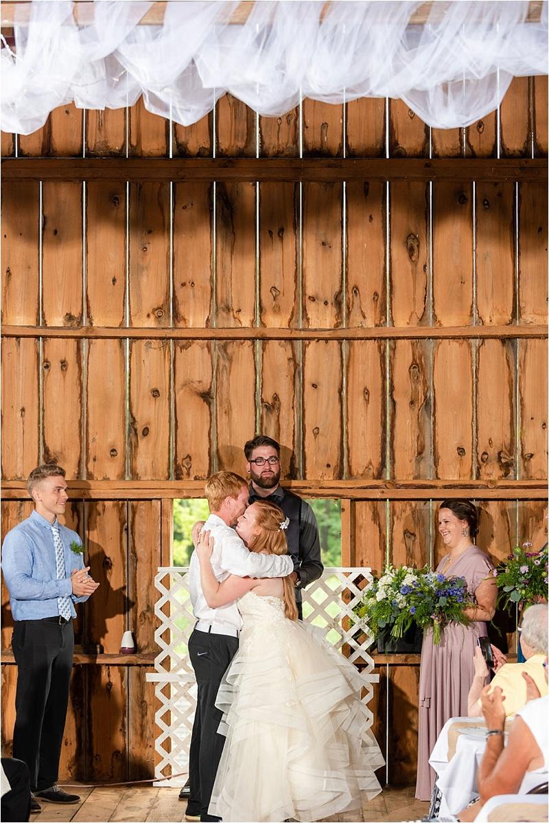 Wisconsin Barn wedding_0045.jpg