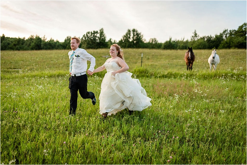 Wisconsin Barn wedding_0036.jpg