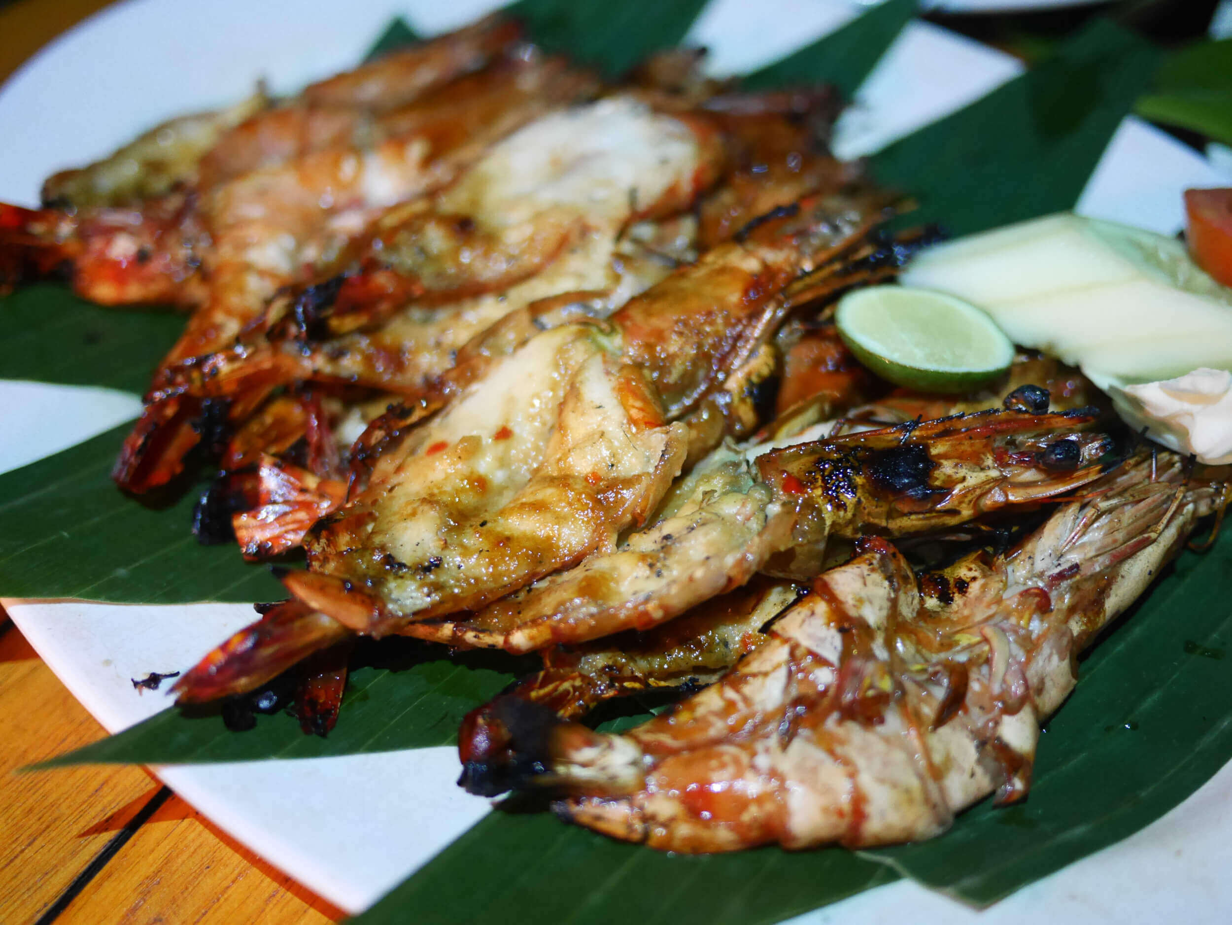 Grilled Fresh Prawns at Menaga Cafe | Jimbaran, Bali | Photo: Sutiknyo