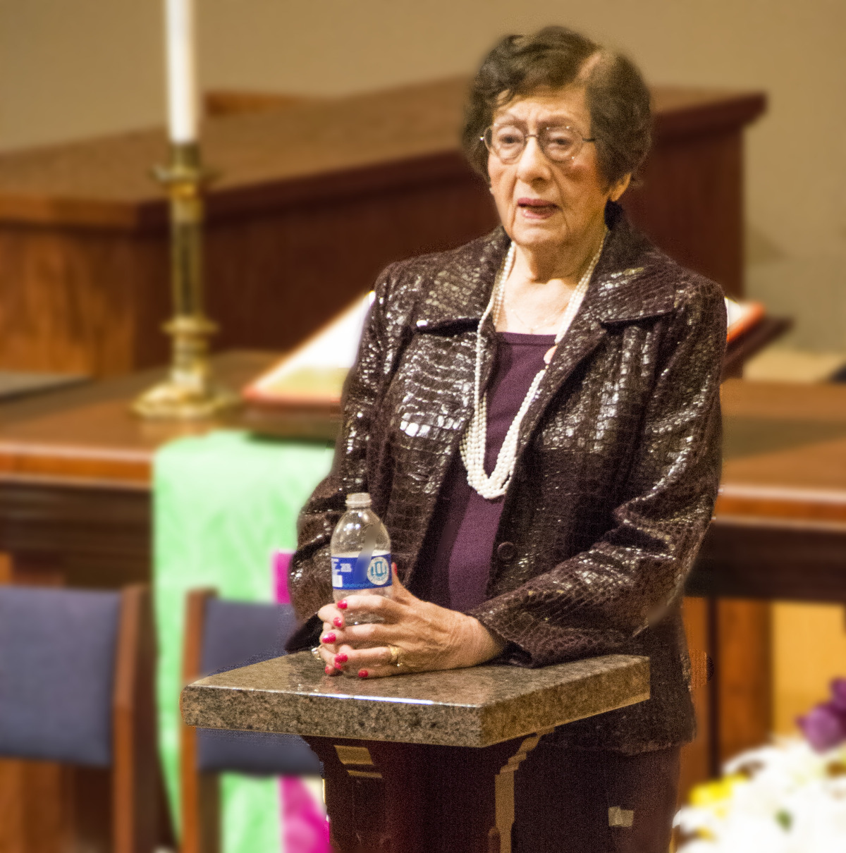 Agnes Schwartz speaking at Countryside Community Church