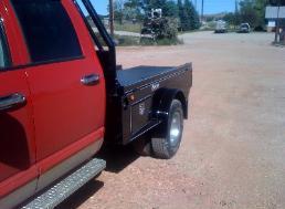 honcho.flatbed.haul.bolinger.wy.skirt.fenders.toolbox.retractable.ball.5th.wheel.jpg