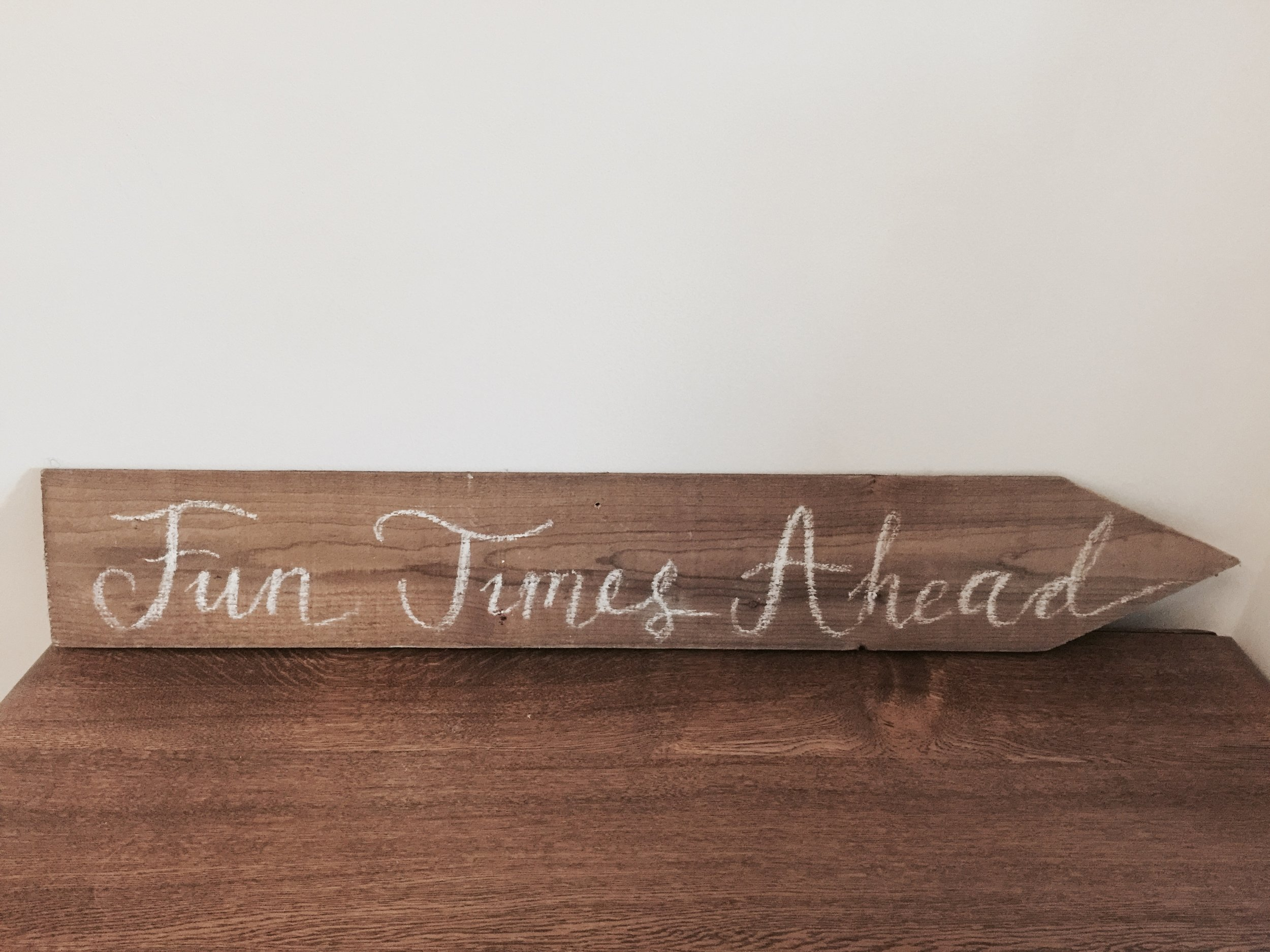 Large wooden arrow sign £10 to hire