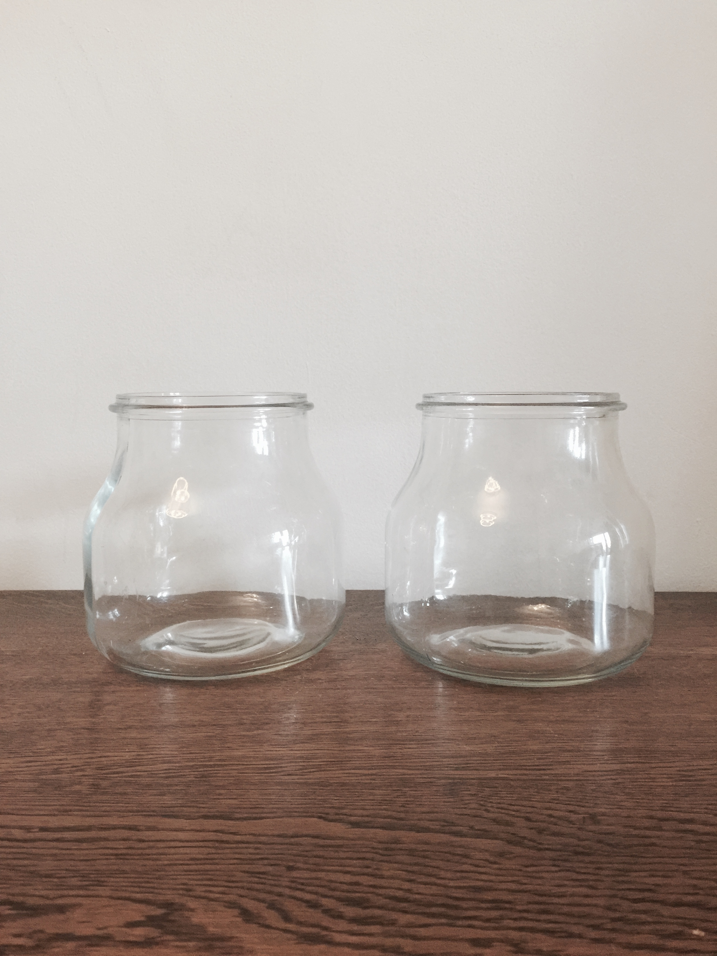 Glass sweet jars £1 each to hire