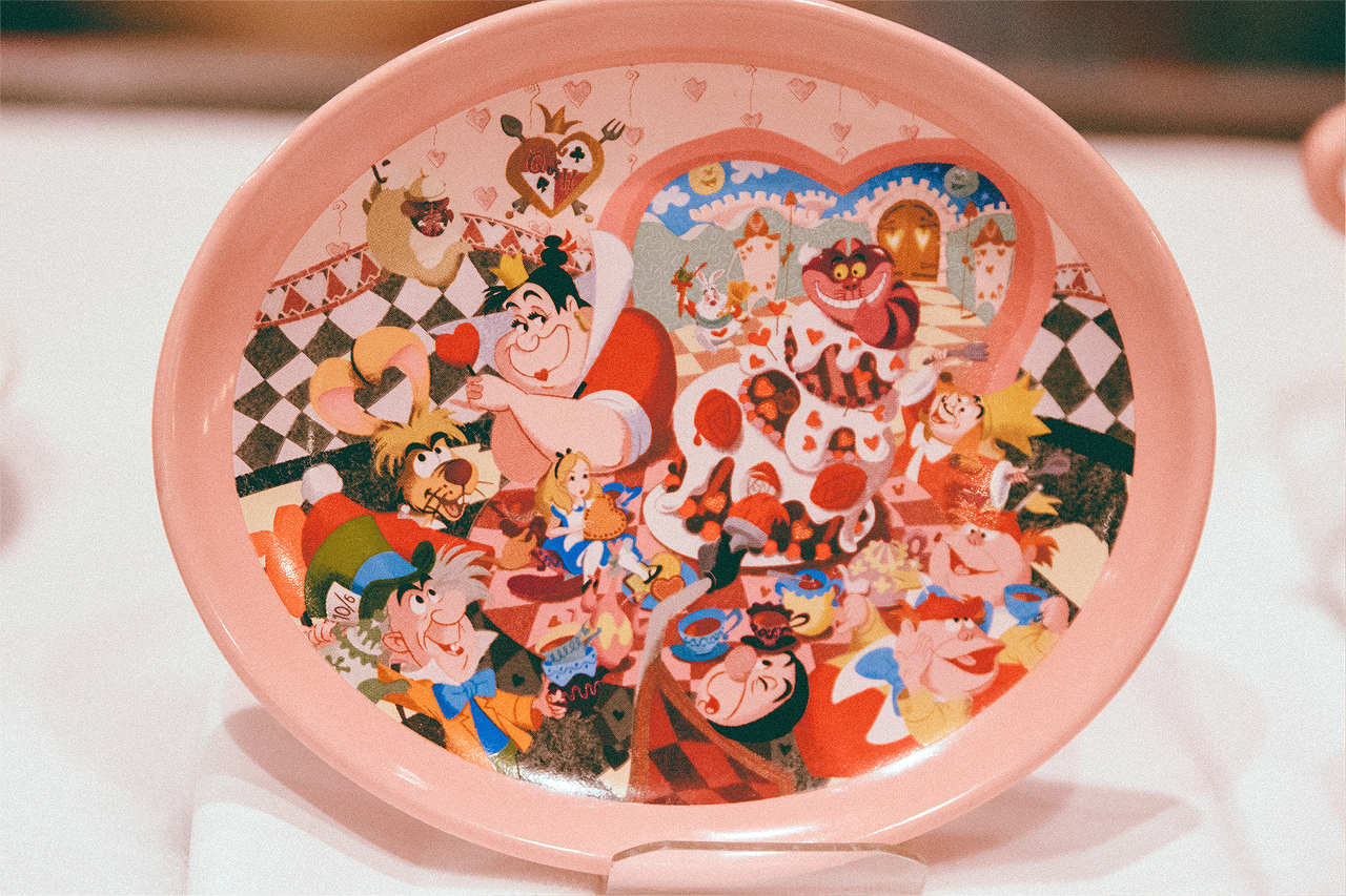 This adorable souvenir plate or cup (below) comes with your yummy dessert for only (¥ 750 or $6.71)! I imagine Disneyland would charge you twice as much...