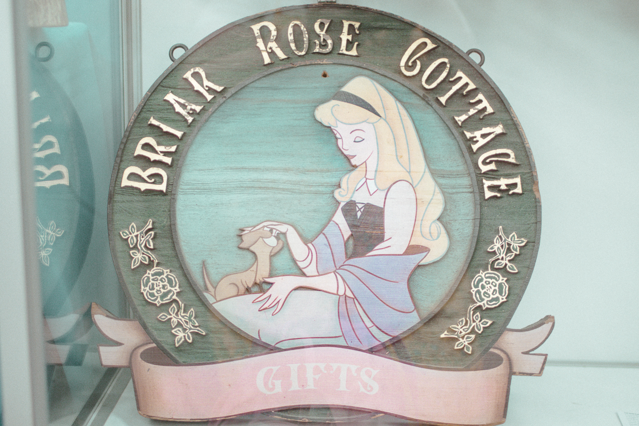 I was beyond ecstatic to find this sign in the collection because my friend  Tony  and I were discussing this Fantasyland shop just a few days prior. There's not too much information about this shop out there, so it's great to have  some detail shots of the original sign.