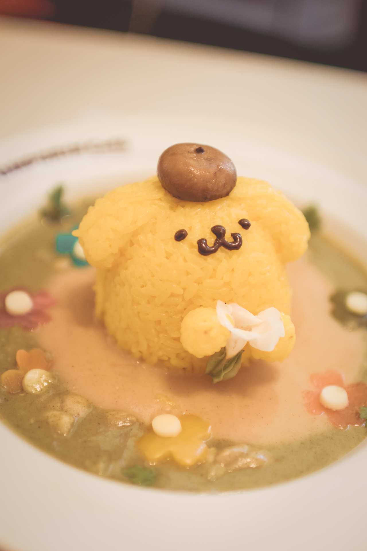 My sister ordered veggie curry. She quite enjoyed her meal and wouldn't stop raving about how fresh it tasted. Also, PomPomPurin's face drawn on with chocolate was an interesting touch!
