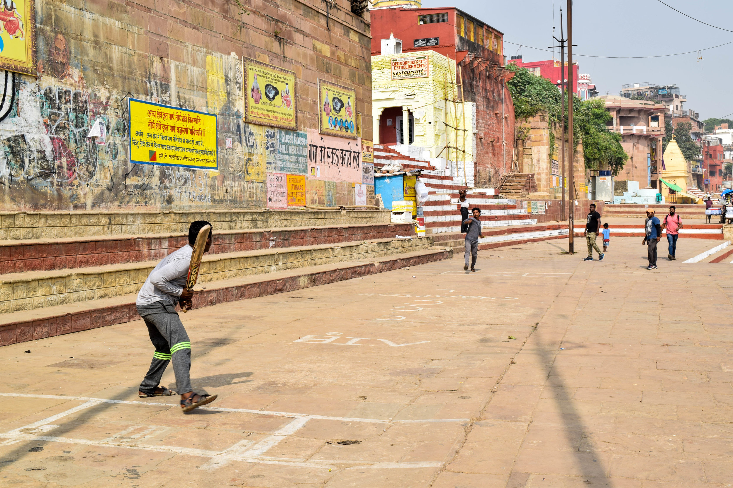 Another popular ghat activity: cricket, apparently.