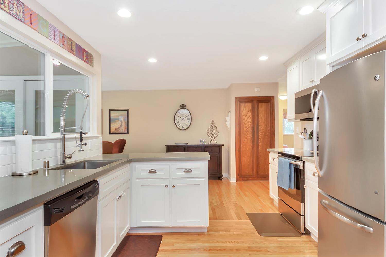 1372 Cornwall Ct Walnut Creek-large-011-15-Kitchen 5-1500x1000-72dpi.jpg