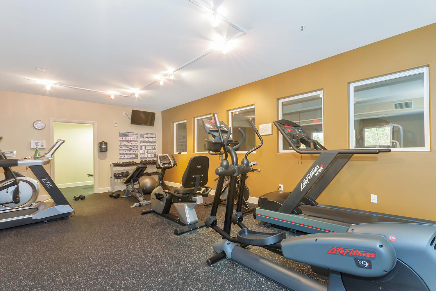1800 Alma Ave Unit 203 Walnut-large-031-29-Gym 1-1500x1000-72dpi.jpg