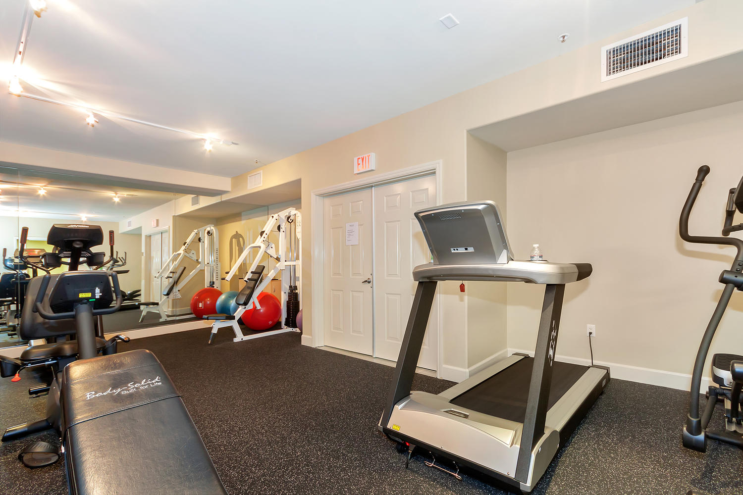 1800 Alma Ave Unit 203 Walnut-large-032-12-Gym 2-1500x1000-72dpi.jpg