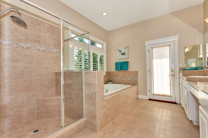 10 Wild Oak Ct Walnut Creek CA-small-033-Master Bath 2a-666x444-72dpi.jpg