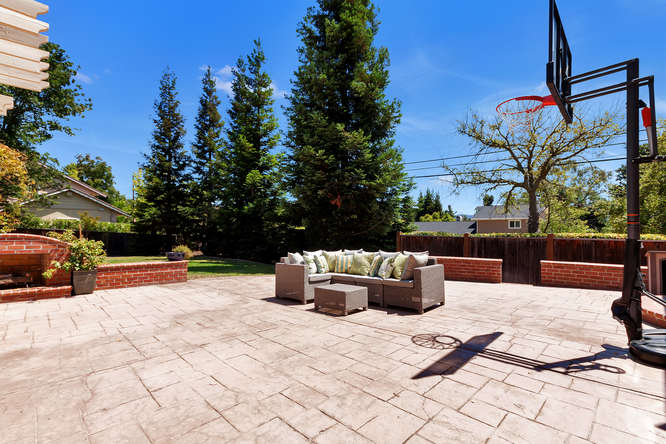 10 Wild Oak Ct Walnut Creek CA-small-061-Outdoor Living Area 1-666x444-72dpi.jpg