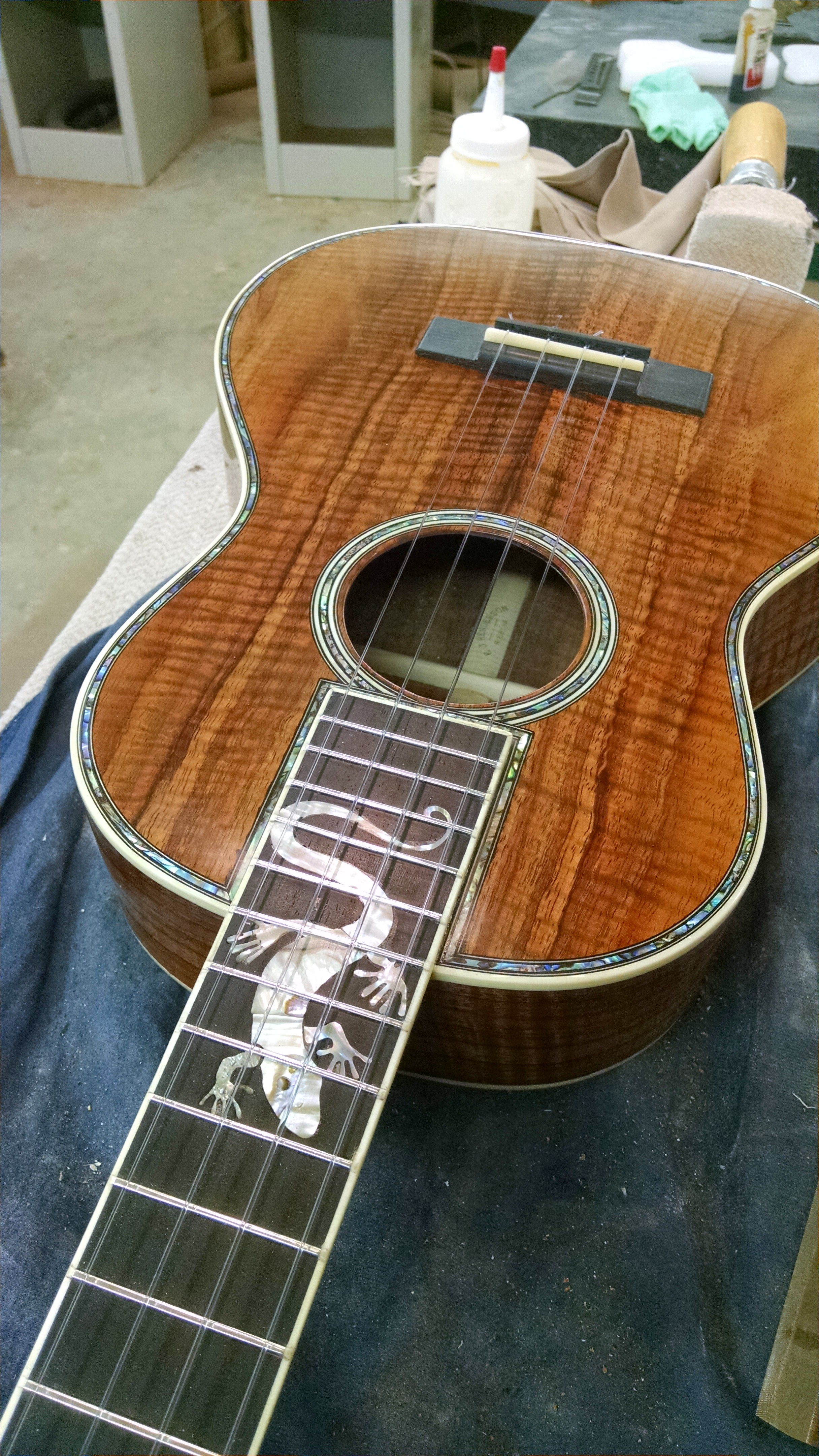 A client's beloved pet iguana, Charlotte is commemorated on the fingerboard of his ukulele.