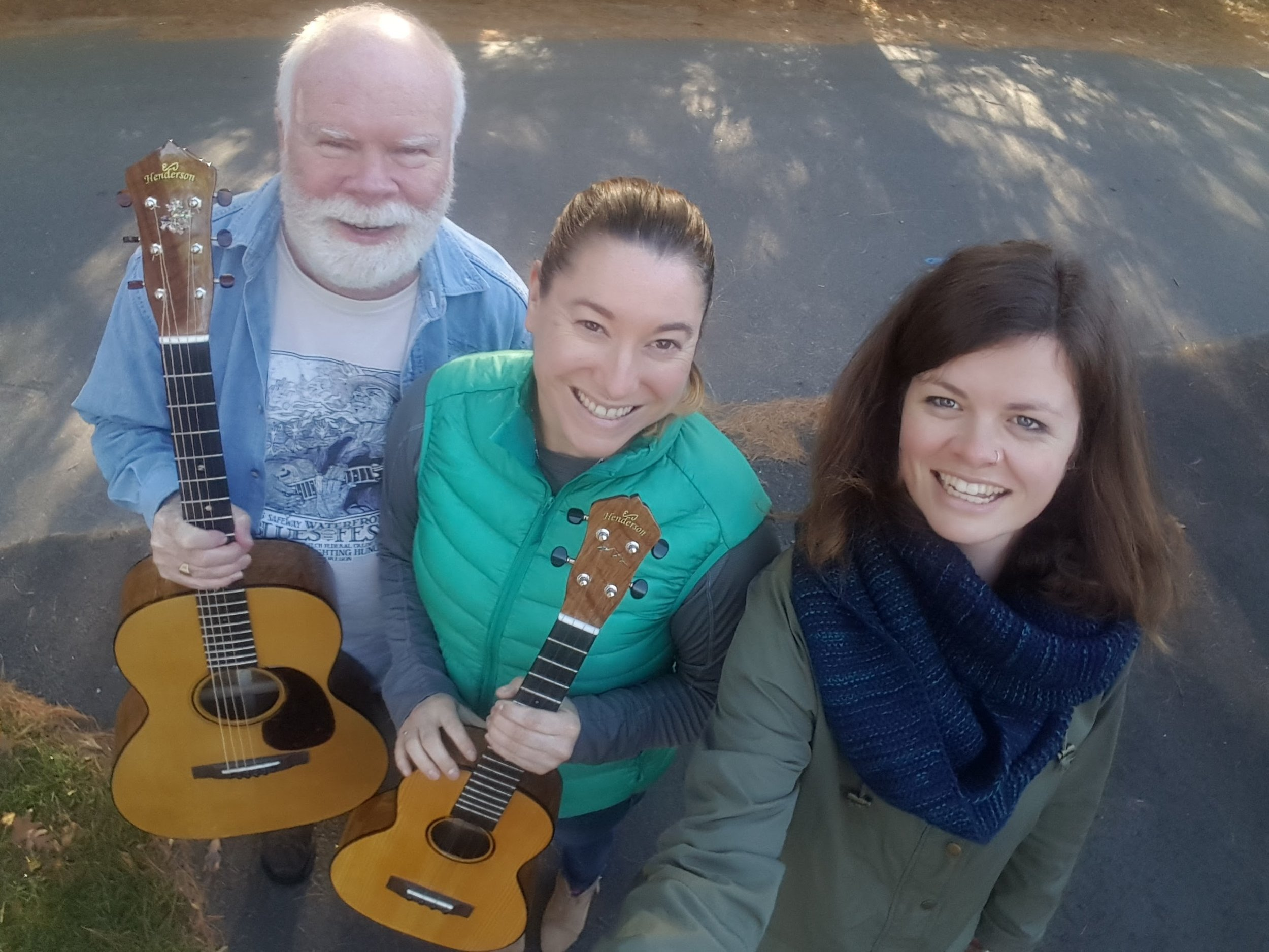 Richard and Katie came all the way from Australia to pick op their matching instruments: an oak OM and tenor ukulele!