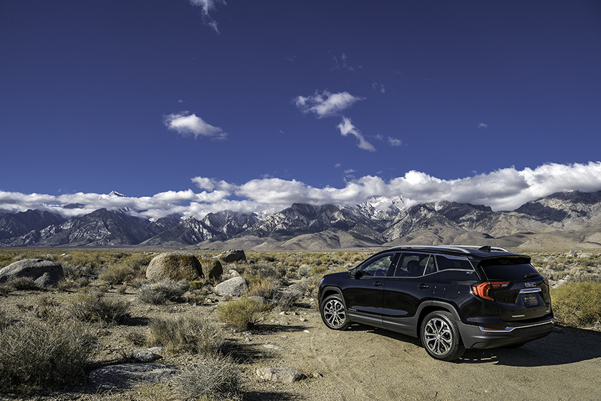 As I stopped off at Independence, I couldn't help but to go off-road, toward the mountain range, near the Historic Site of Manzanar. This is part of our country's dark period, where we kept Japanese Americans in interment camps.