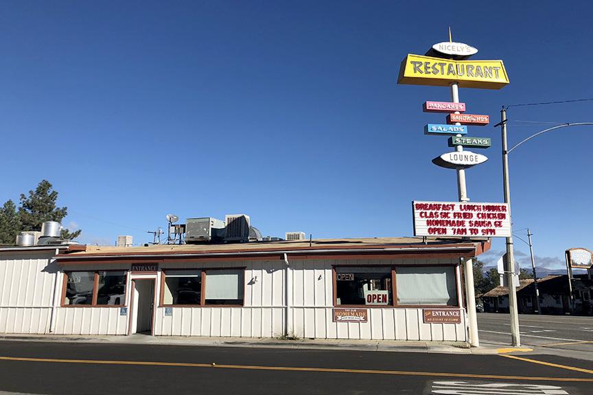 Nicely's-Restaurant,-Lee-Vinig.jpg