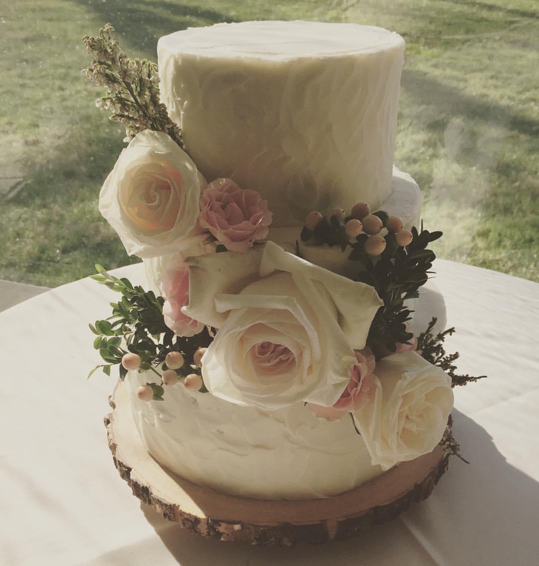 Winter Rose Wedding Cake