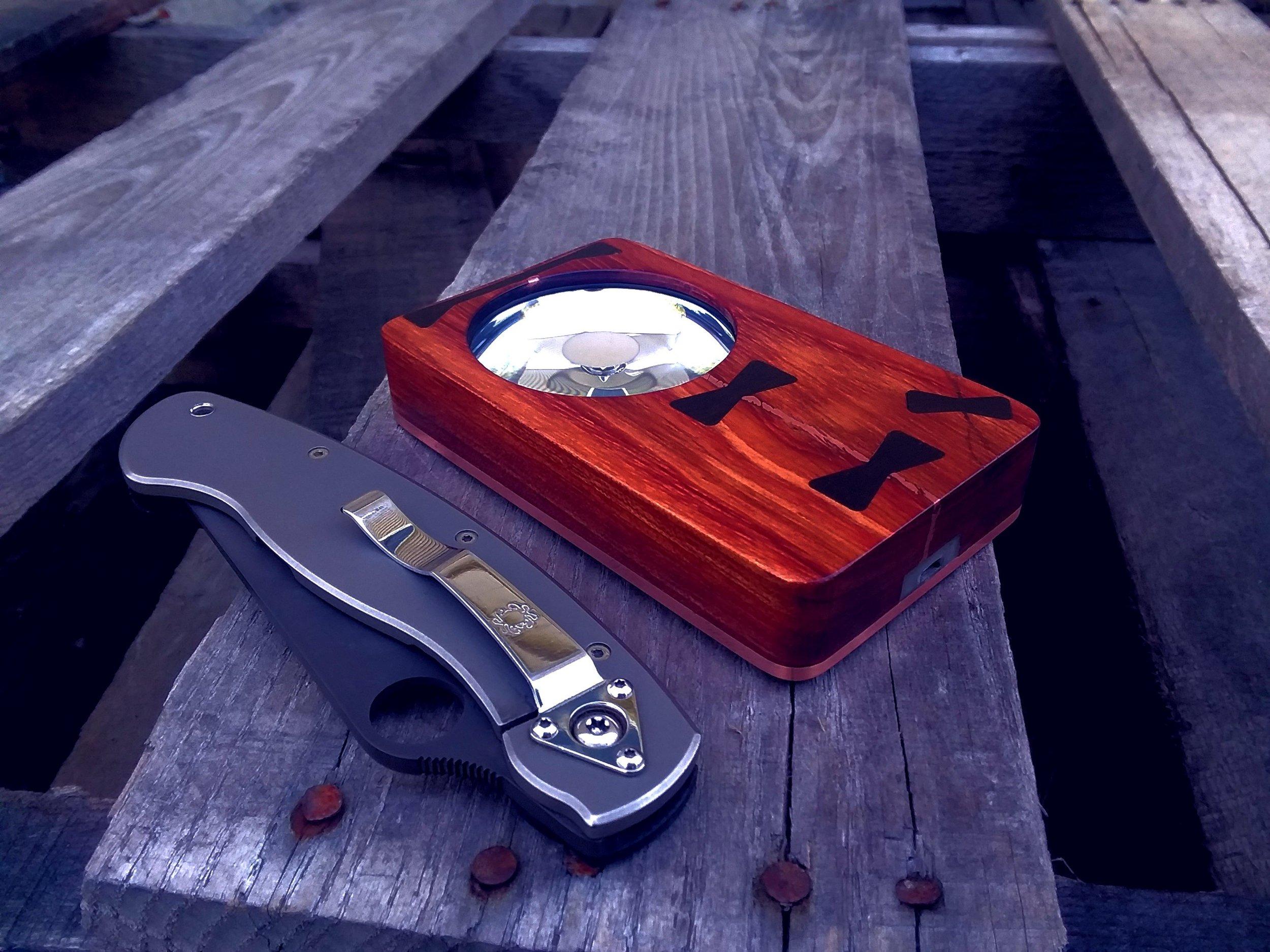 Eye of Sekhmet bubinga w/ ebony keys and copper inlay over Cu, Custom Spyderco military Ti/g10