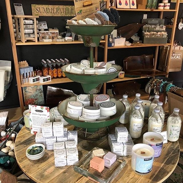 I spy with my little 👀 a couple of #scentervention candles 🕯 . . . #scentervention #scenterventioncandles #aromatherapy #therapy #mytherapistsays #aromatherapist #soywax #soywaxcandles #local #shoplocal #inspiration #changeyourmood #changeyourlife