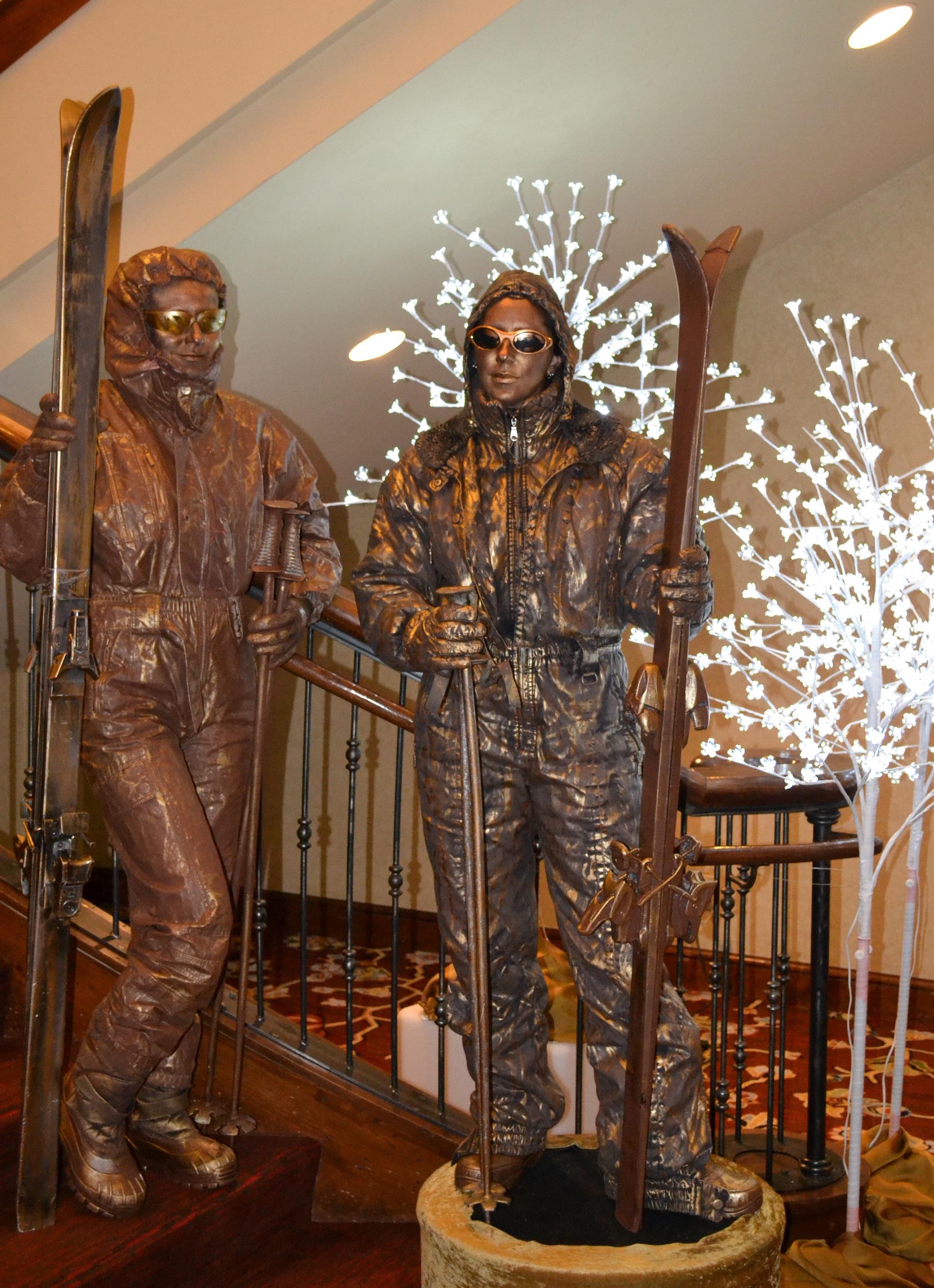 Bronze Skier Statues (4).jpg