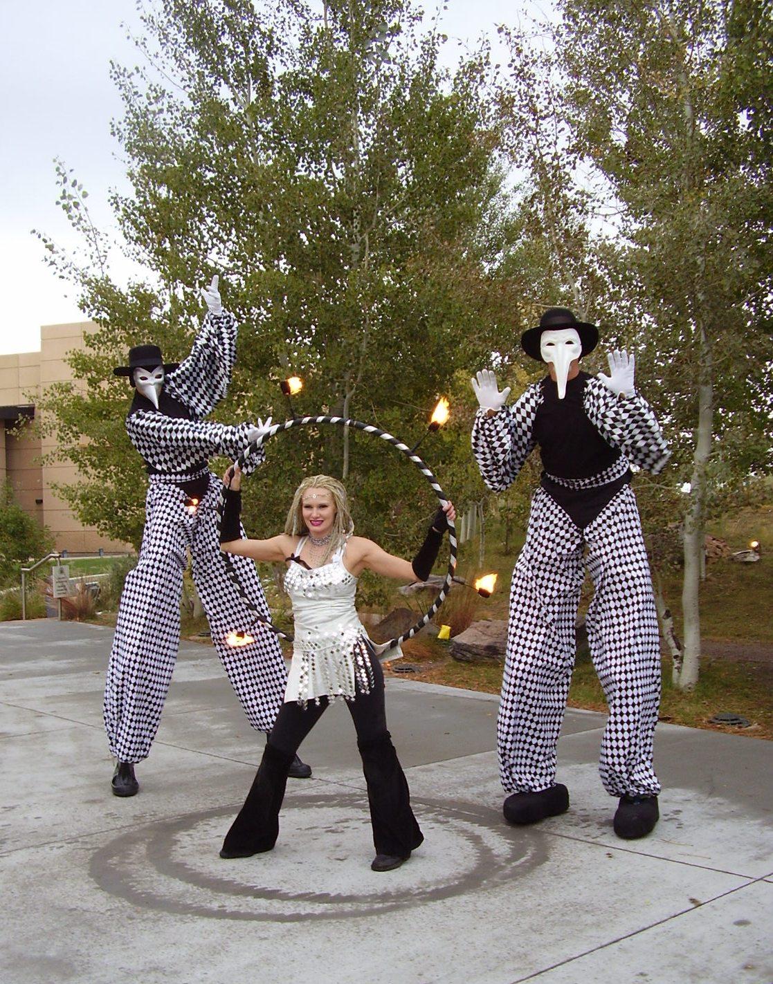 Melinda and Harlequin stiltwalkers WLE.jpg