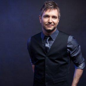 Travis Cottrell, worship leader