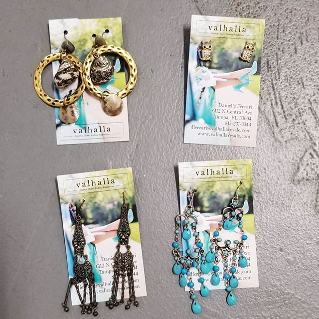 Need Christmas gift ideas? Come check out our #newinventory of jewelry 😍