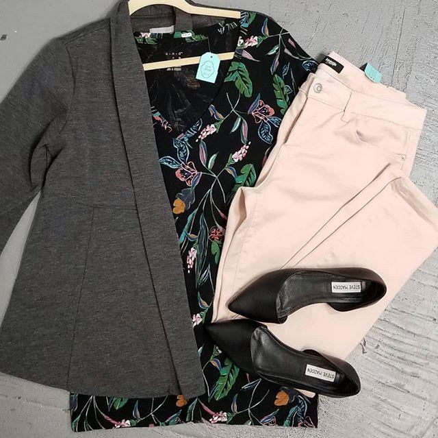 #wearsomethingdifferent #dressinhappinessdaily #rockit ##rentit #buyit #letsplaydressup #sustainablefashion #fashionrevolution #ecofashion #bethechange #bethechangeyouwanttoseeintheworld #newinventoryeveryday #membershiphasitsperks #supportwomanowned #supportsmallbusiness #supportlocal #supporttheheights #tampafashion #tampastyle #seminoleheights #shopsh #limitlesscloset #endlesspossibilities #personalshopper #personalstylist #styleme #dressme