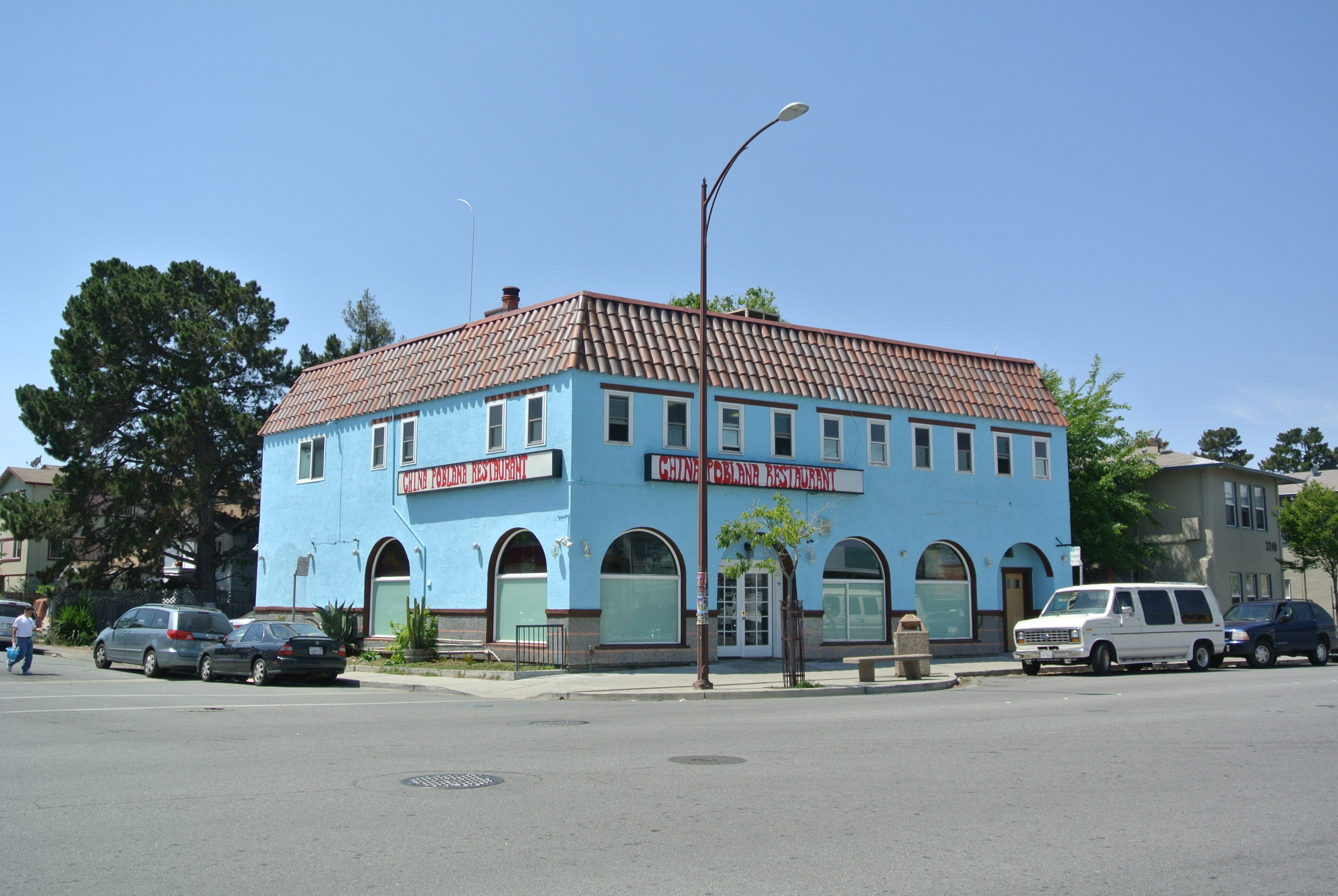 3250 Middlefield Road, Menlo Park, CA 94025 4,800 SF Office over Retail (Vacant) $1,520,000