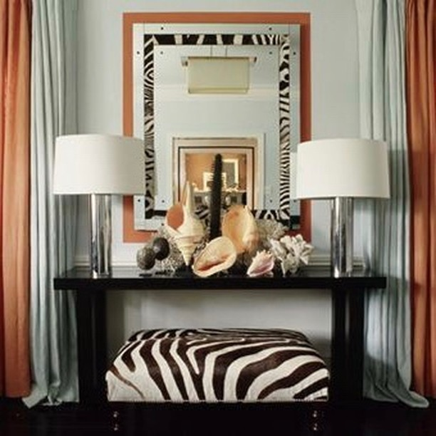 Glamorous safari style. Design: Mary McDonald #entry #interior_design #homedecor #homeaccessories