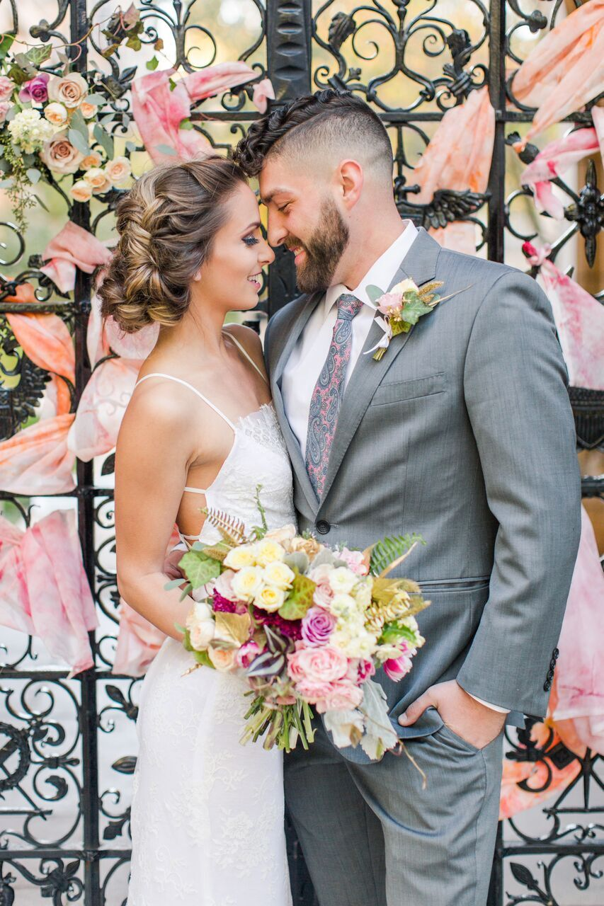 :Photographer: Shaina Lee Photo @shainaleephoto Wedding Planner: @pearl_weddings Flowers: @fizzandfleurs Artist @studiostrata Cake: @cakeloreco Model: @_leeeshhha