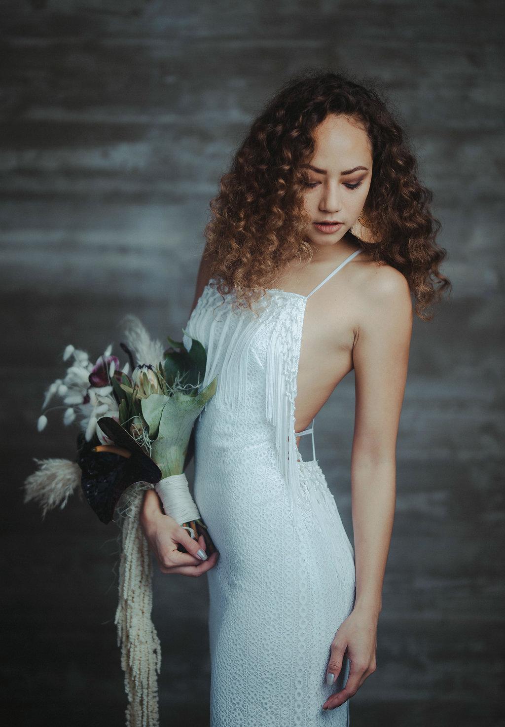 Crredits: Flowers: @bluekaidesigns Photographer: @couplecups Luna gown: @gypsybride Hair and MUA: @andikimiko_ Model: @lei.lilium