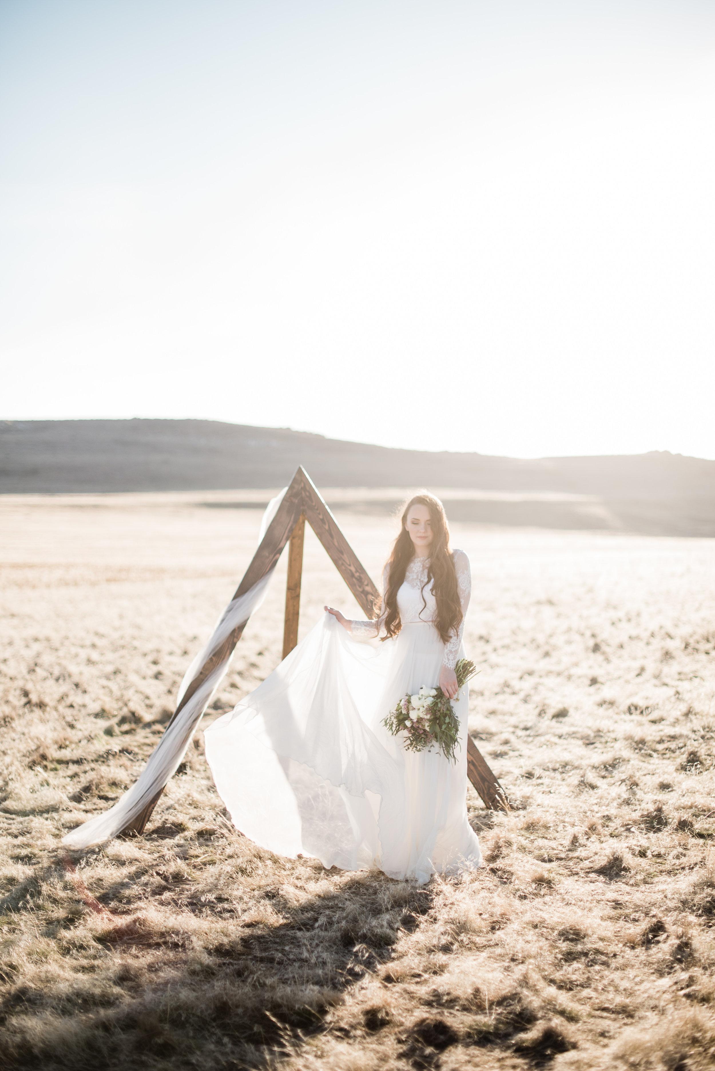 Credits:  Location: Salt Lake City, Utah Photographer: @brynleepaigephotography Harper top and lilly skirt: @gypsybride Mua: @taliawhatcottmua Model:@kaitlyn_gardner Florals: @harperfloral Frame:@brynleenjensen